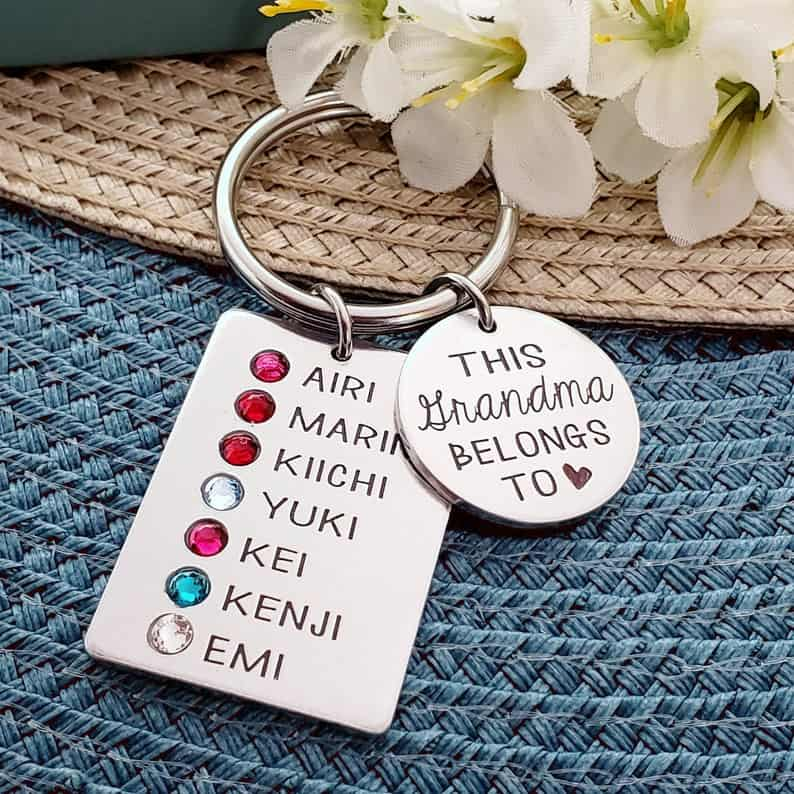 personalized gift for grandmother: keychain personalized with kids names and birthstones