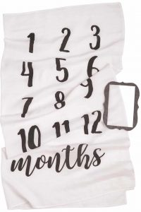 first-mothers-day-gifts-monthly-milestone-blanket